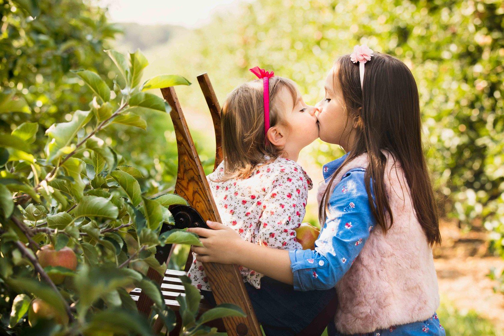 apples 2 kiss